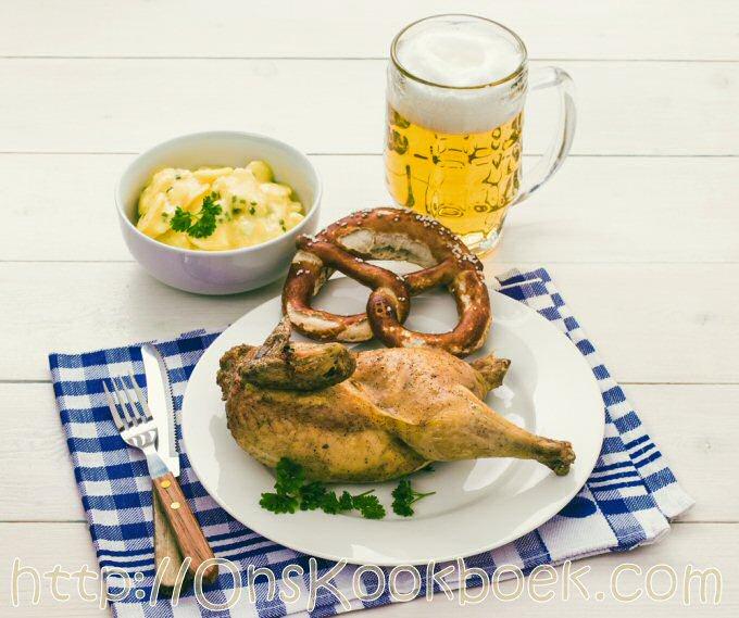 Hendl: gebraden kip met friet en bier of de Oktoberfesten in Beieren