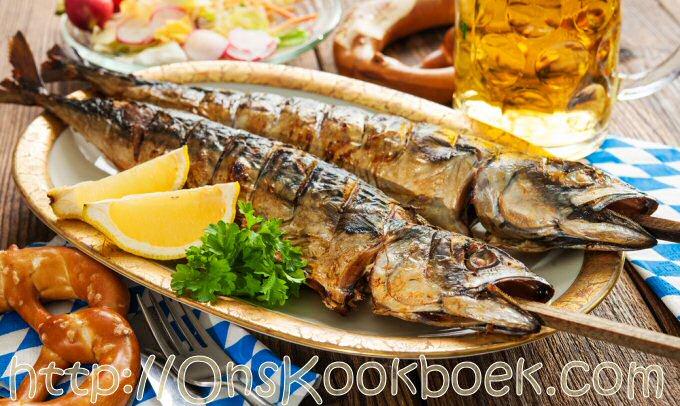 Steckerlfisch: gegrilde vis Oktoberfeesten in Beieren