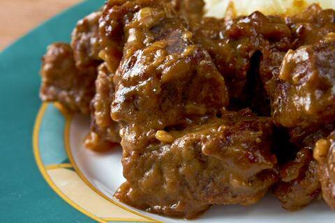 makkelijk en lekker recept om stoofvlees te maken met donker bier en bruine suiker