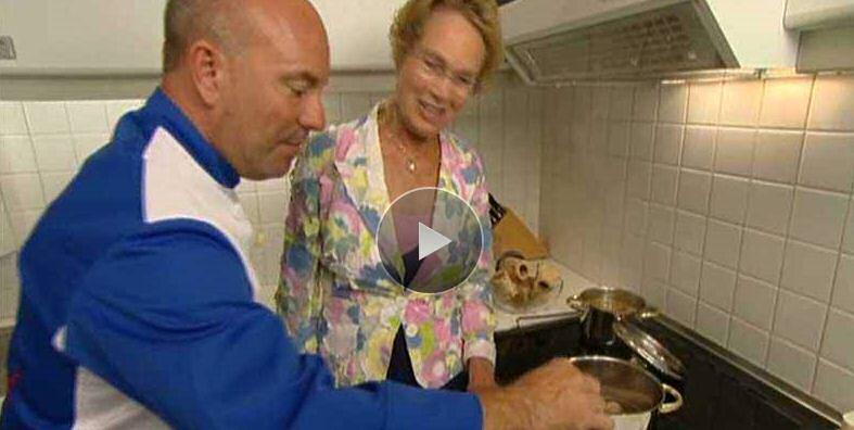 SOS Piet mergballetjes pizza eierkoeken