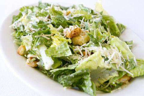 Caesar salade maken