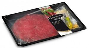 Stap voor stap recept om carpaccio van rund te maken gevuld met tartaar van rivrierkreeften en een slaatje van appel en raketsla