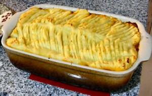 Stap voor stap recept om een gehaktschotel met puree en uien te maken