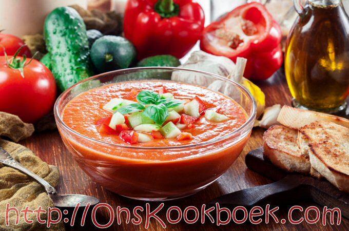 Makkelijk gazpacho recept zodat je iets verfrissend kan serveren op hete dagen